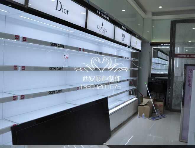 聚美优品化妆品柜台制作案例