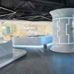 人工智能机器人科技馆异形烤漆展柜制作案例