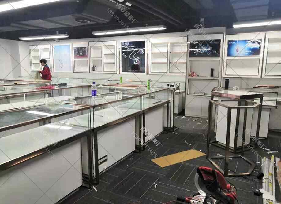 西安珠宝展柜制作厂家,对于珠宝展柜制作安装有那些注意要点