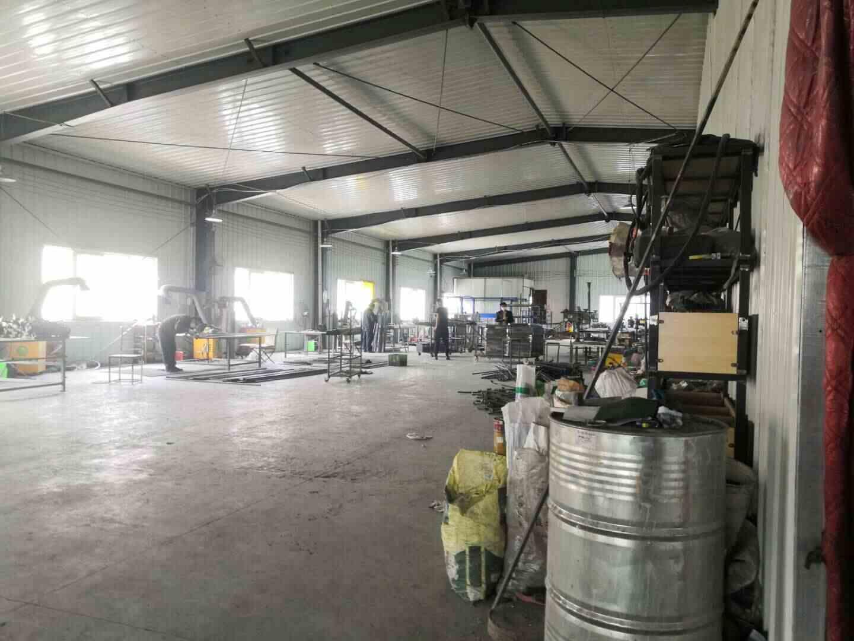 陕西化妆品展柜厂家铁艺生产车间