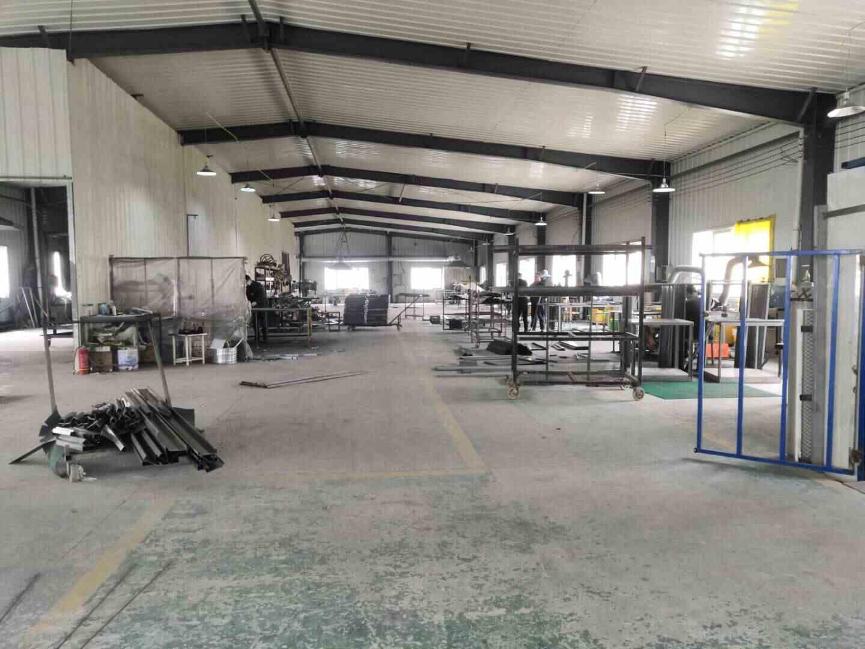 西安化妆品展柜厂家铁艺制作车间