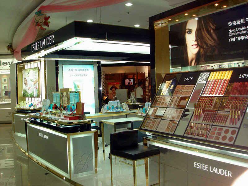 兰州化妆品展柜定做厂家,对于化妆品展柜的成本跟利润