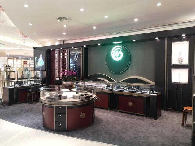 商家在选择珠宝首饰展柜定制厂家这些常识必知