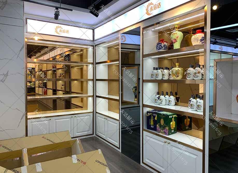 定做烟酒展示柜厂在设计烟酒柜子要注意什么?