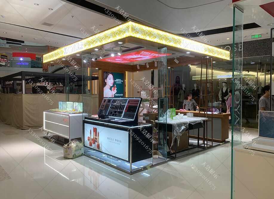 作为化妆品商家你对定做化妆品展柜了解多少呢?