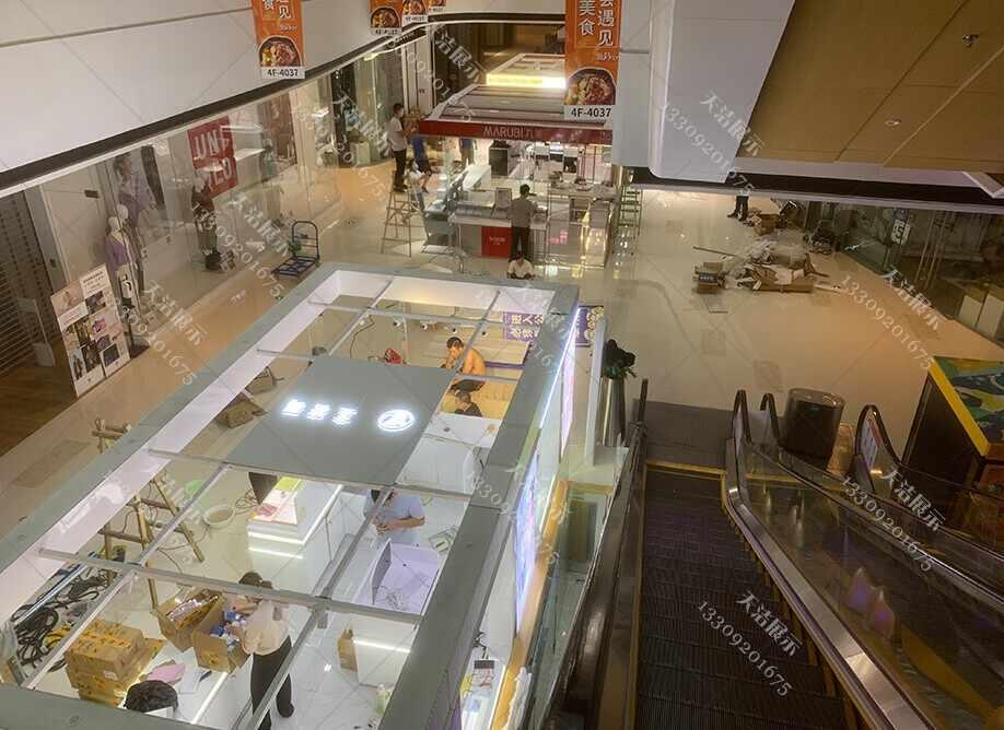 吾悦广场商场优质化妆品展柜厂家制作案例展示